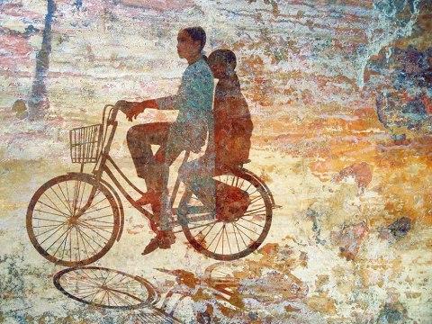 Hue Girls on Bike