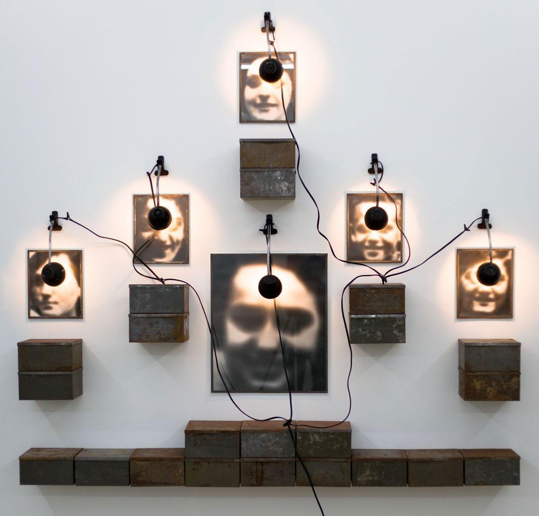 Boltanski installation Autel de Lycée Chases, 1986–87
