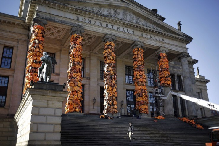 Ai Wei Wei refugee vest installation