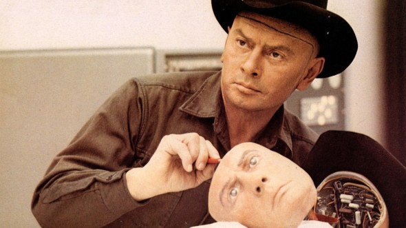 WESTWORLD, WESTWORLD US 1973 YUL BRYNNER PICTURE FROM THE RONALD GRANT ARCHIVE ROBOT WESTWORLD US 1973 YUL BRYNNER ROBOT Date 1973. Photo by: Mary Evans/Ronald Grant/Everett Collection(10346668)
