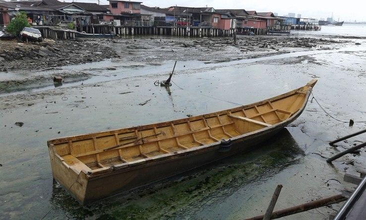 boat-at-jetty